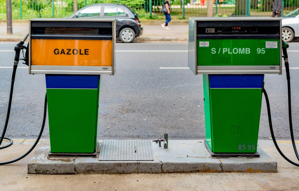 Station service - carburant pas cher - essence sans plomb et gazole